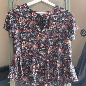 Gap drop waist tie- front floral top.